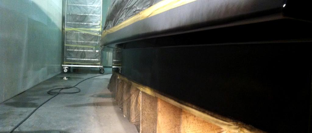 Surface finishing; Applicazione smalto; finitura superfici; modello scafo; modello stampo scafo