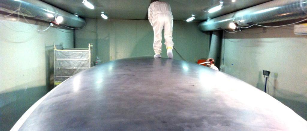 fibra di carbonio Friuli; Surface finishing; Applicazione smalto; finitura superfici; modello scafo; modello stampo scafo
