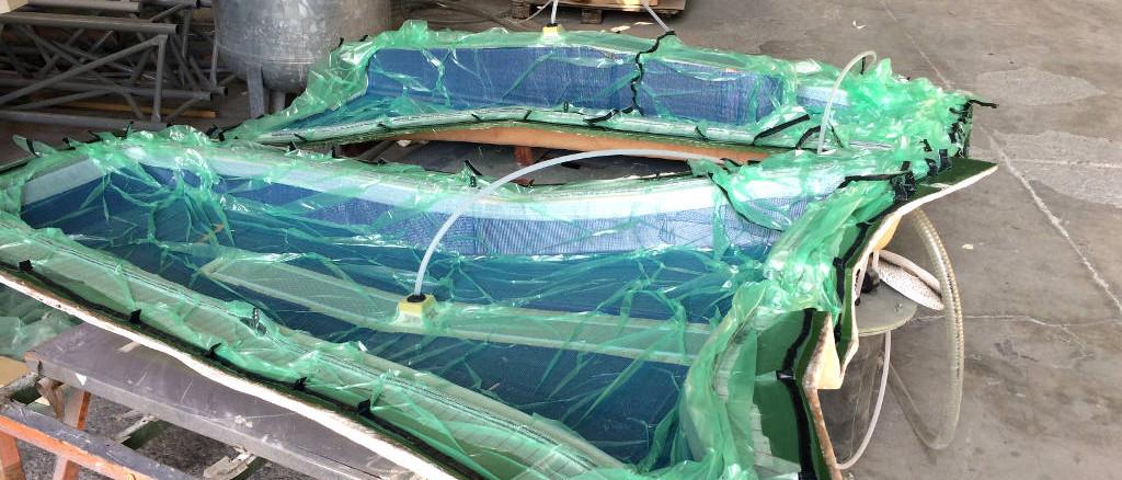 fibra di carbonio Friuli; Bow sprit infusion; infusione delfiniera; carbon infusion; infusione carbonio; composite infusion; infusione materiali compositi