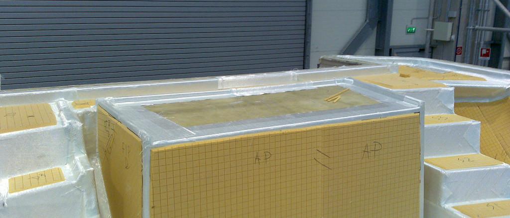 fibra di carbonio Friuli Venezia Giulia; Deck infusion; deck preparation; infusione coperta; preparazione infusione coperta; sandwich core; core materials; infusion core materials